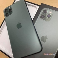 Apple iPhone 11 Pro Max  €530, iPhone 11 64GB